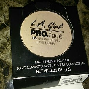 La girl pressed powder (NEW)